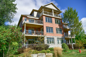 Waterfront Condo - OPEN HOUSE Sat & Sun 12 to 4