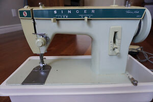 Singer Sewing Machine / Machine à coudre Singer