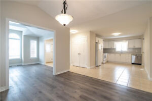 *Gorgeous 3 Bed, Main Floor Unit for Lease | Desirable Location!
