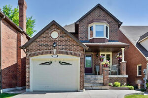 Welcome To 4135 Lastrada Heights. A Wonderful Family Home Locate