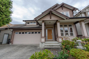 Beautiful Single House in Langley Willoughby. Excellent Location
