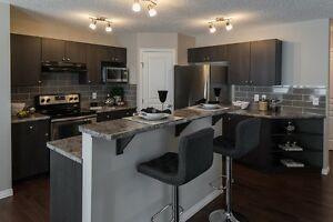 $931 Bi-Weekly Brand NEW 1860 Front Attached Home West End Edmonton Edmonton Area image 3