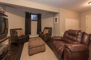 A spectacular 5 bedroom custom built home in Summerstown Estates Cornwall Ontario image 12