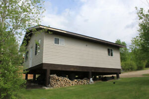 Lakefront Cottage at in Bodnaruk Hill Dev - Near Roblin, MB!