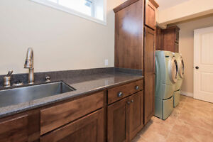 A spectacular 5 bedroom custom built home in Summerstown Estates Cornwall Ontario image 13