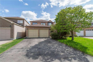 Large 4 bed home in Huntclub backing onto park​