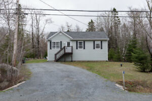 Raised Bungalow  7yrs Old, Excellent Condition In Hubley