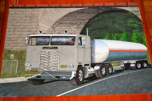 BIG DRAWING WHITE FREIGHTLINER TANKER TRUCK / DESSIN CAMION