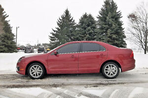 2010 Ford Fusion SEL Sedan- Just 98K!! ONE OWNER & 4 NEW TIRES!!