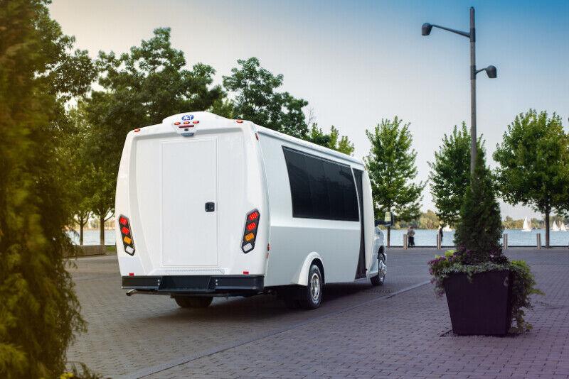 e27d54c14b 2018 Bristol Coachworks 22 Passenger Executive Shuttle Tour Bus ...