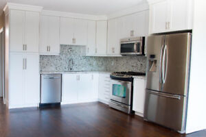 2 BEDROOM/2 BATHROOM GORGEOUS APARTMENT WITH CENTRAL AC/HEAT!!