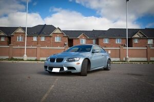 2010 BMW M3! 6 speed! Carbon pack! Sports Exhaust!