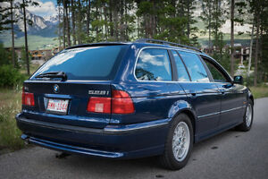 2000 BMW 5-Series 528i Touring Wagon, $6995