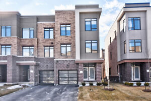 4 Br Townhouse For Rent in Vaughan