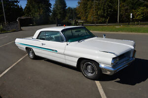 1962 Pontiac Grand Prix      ** CAR SHOW READY ** Campbell River Comox Valley Area image 3