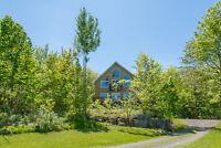 Maison sur Mont Rigaud et vue sur lac