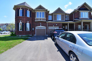 STUNNING CORNER T/H IN MILTON FOR LEASE