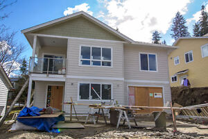 Salmon Arm - Brand New 3bdrm Lake View Home