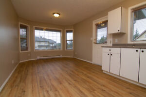 2BR GROUND LEVEL SUITE IN THETIS HEIGHTS