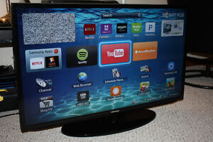 Samsung 40in. Smart TV for SALE.  LQQK LIKE NEW!!!