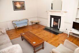 Spacious two bedroom flat in upmarket Stockbridge