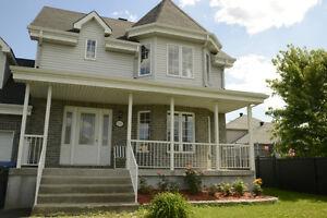 beau cottage de 3 chambres à proximité de toutes West Island Greater Montréal image 1