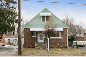 $500,000 + Awesome Mississauga Fixer Upper Property!