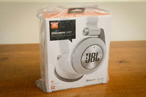 *NEW IN BOX* JBL SYNCHROS E40BT Bluetooth Earphones