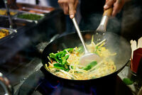 RECHERCHE D'UN CHEF FAIT DE WOK--- LOOKING FOR A CHEF DOING WOK