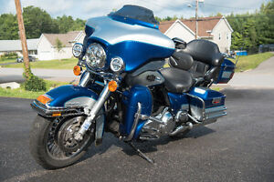 Harley Davidson Ultra Classic ('10) - Loaded and priced to sell