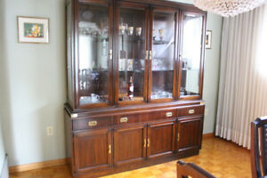 Dining room hutch and curio cabinet