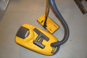 Sears Kenmore Canister vacuum with power Head 12 Amps
