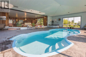 House, indoor pool, 8 acres, Granny flat /income property