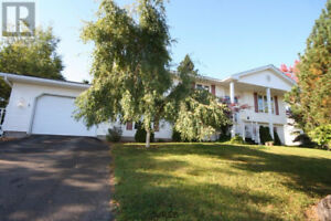 OPEN HOUSE at 1 Cedarwood Dr. Sunday October 22nd 1:00 to 2:30