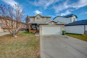 4 Bed + Den & Fully Developed Basement - Big Springs Airdrie