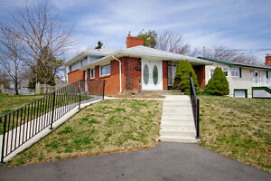 Beautiful, Meticulously Kept 3 Bedroom Family Home in Halifax!