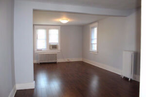Beautiful & Spacious 3-Bedroom or 2-Bedroom Unit in Walkerville