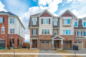 4 BEDROOM + 4 WASHROOM TOWNHOME FOR LEASE.