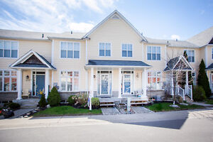 Fabulous Condo Town House in Courtice - Nantucket Community