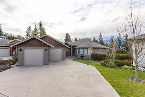 Salmon Arm - Lakeview Home in Willow Cove