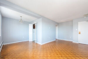 LARGE TWO BEDROOM WITH BALCONY STEPS FROM SMU, DAL & DOWNTOWN!!!