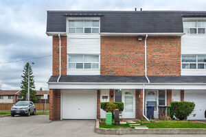 FOR SALE: Move In Ready 3+1 Townhome at Neilson & Ellesmere