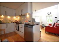 3 bedroom flat in Bunning Way, Kings Cross, Caledonian Road