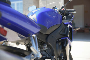 Yamaha R6S in an excellent condition with low KM Sarnia Sarnia Area image 6
