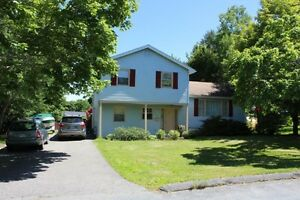 Well maintained with large lot - Bridgewater