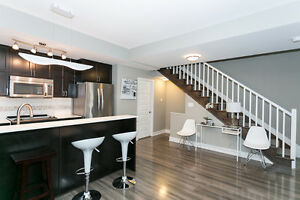 Lansdowne: HUGE 4 bed + den, 3.5 baths...where you want to BE!