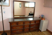 ESTATE DISPERSAL DRESSERS LARGE SMALL CHINA CABINETS ENTIRE HOUS