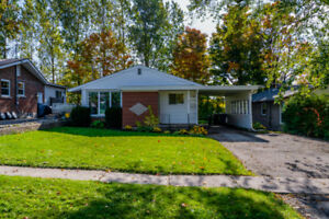 NEW PRICE!! Detached 3 BDRM BUNGALOW w/  seperate SIDE ENTRANCE!