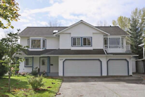 South Surrey 4BR + Den bright and spacious Whole House for Rent