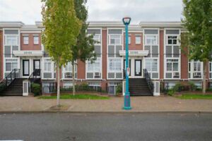 Townhouse For Sale in Downtown Langley, BC